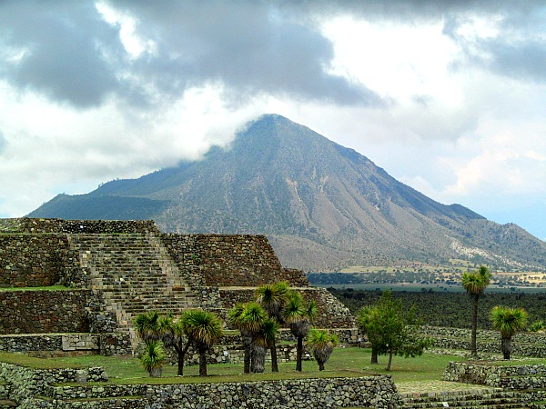 Cantona Mexico Olmec ruins