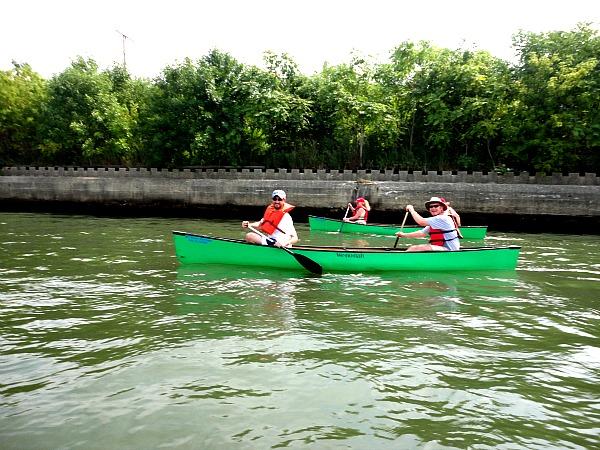 Chicago River paddling