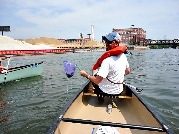 Chicago River clean up