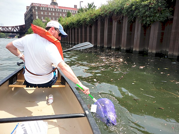 Chicago River clean