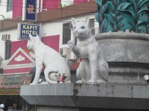 Kuching cat statue