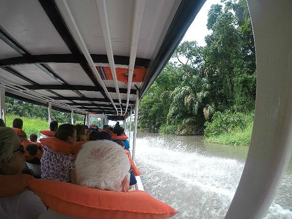 Mawamba Lodge boat tour