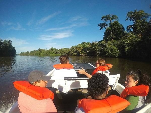 Boat tour Tortuguero
