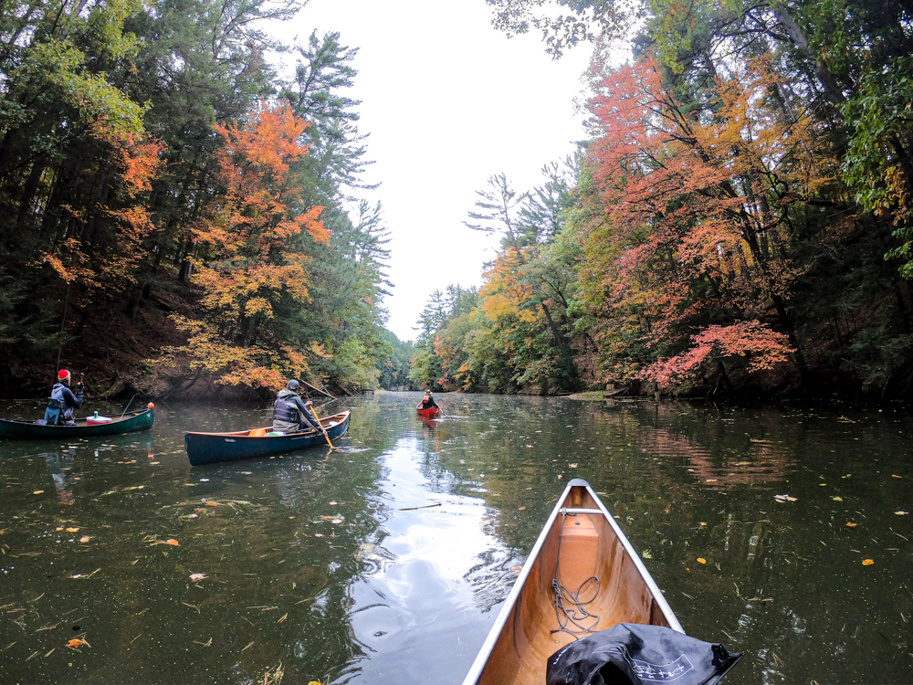 Wisconsin Dells fall canoeing